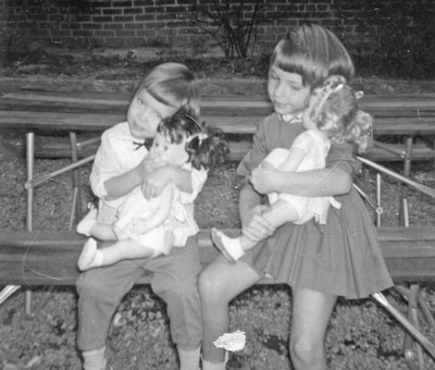earliest childhood memory essay Childhood memories essay  they continue to chatter like chipmunks, and my grandparents and i share a smile of remembering those days of early childhood life.
