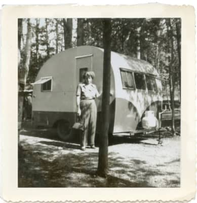 Dorothea in front of the trailer