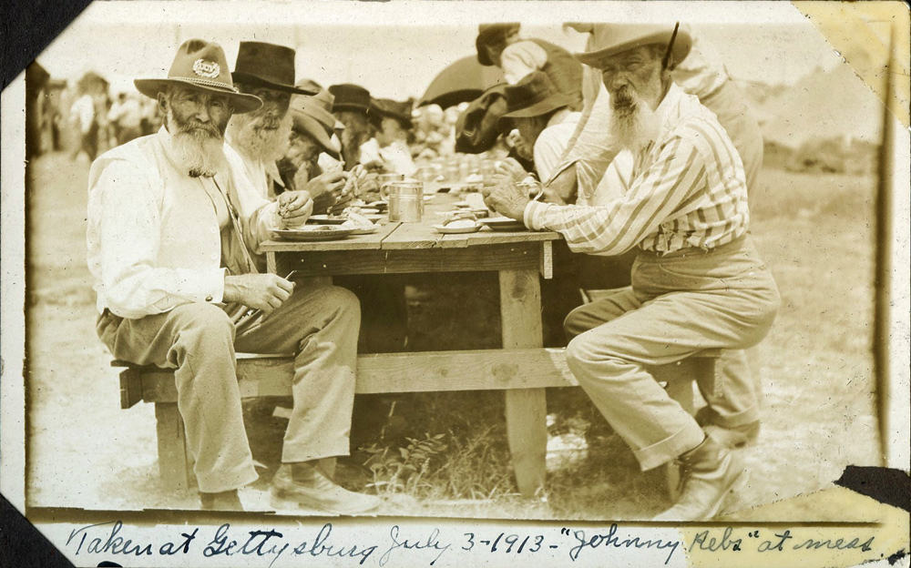 Johnny Rebs at Mess during 1913 Gettysburg Reunion